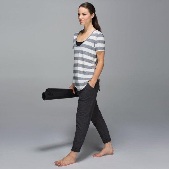 Lululemon Stress Less Pleated Pull On Pants